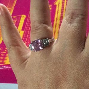 Jewelry - Pink stud sz9 ring